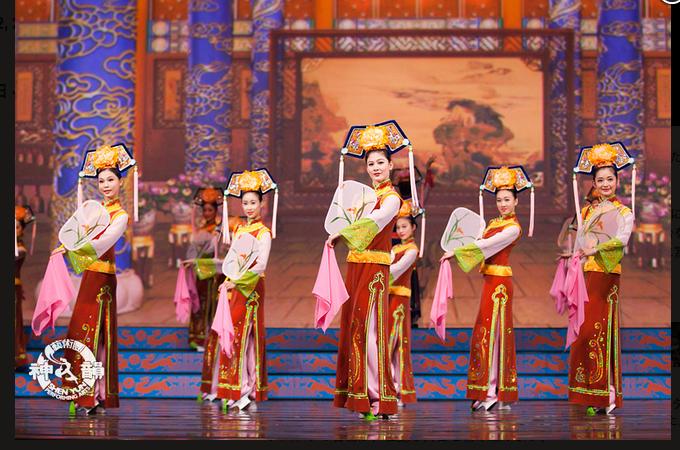 清朝の女性の優雅な靴:ヒールが真ん中についているのはなぜ?