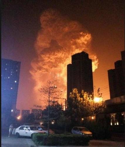 天津爆発20150812