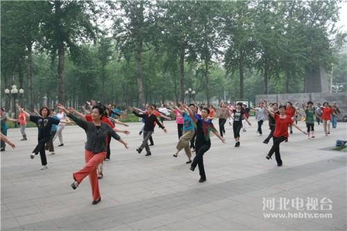 広場ダンス2